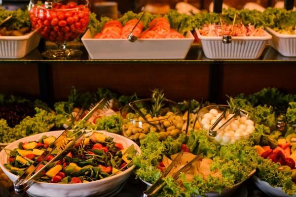 buffet de saladas gramado